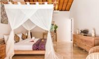 Spacious Bedroom - Villa Can Barca - Seminyak, Bali