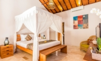 Bedroom with Four Poster Bed - Villa Can Barca - Seminyak, Bali