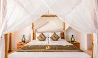 Four Poster Bed - Villa Can Barca - Seminyak, Bali