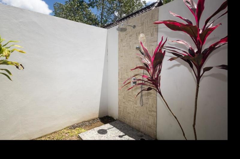 Outdoor Shower - Villa Candi Kecil - Ubud, Bali