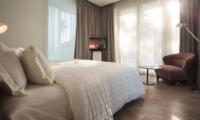 Bedroom with Seating Area and TV - Villa Canggu - Canggu, Bali