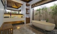 Bathroom with Bathtub - Villa Canthy - Seminyak, Bali