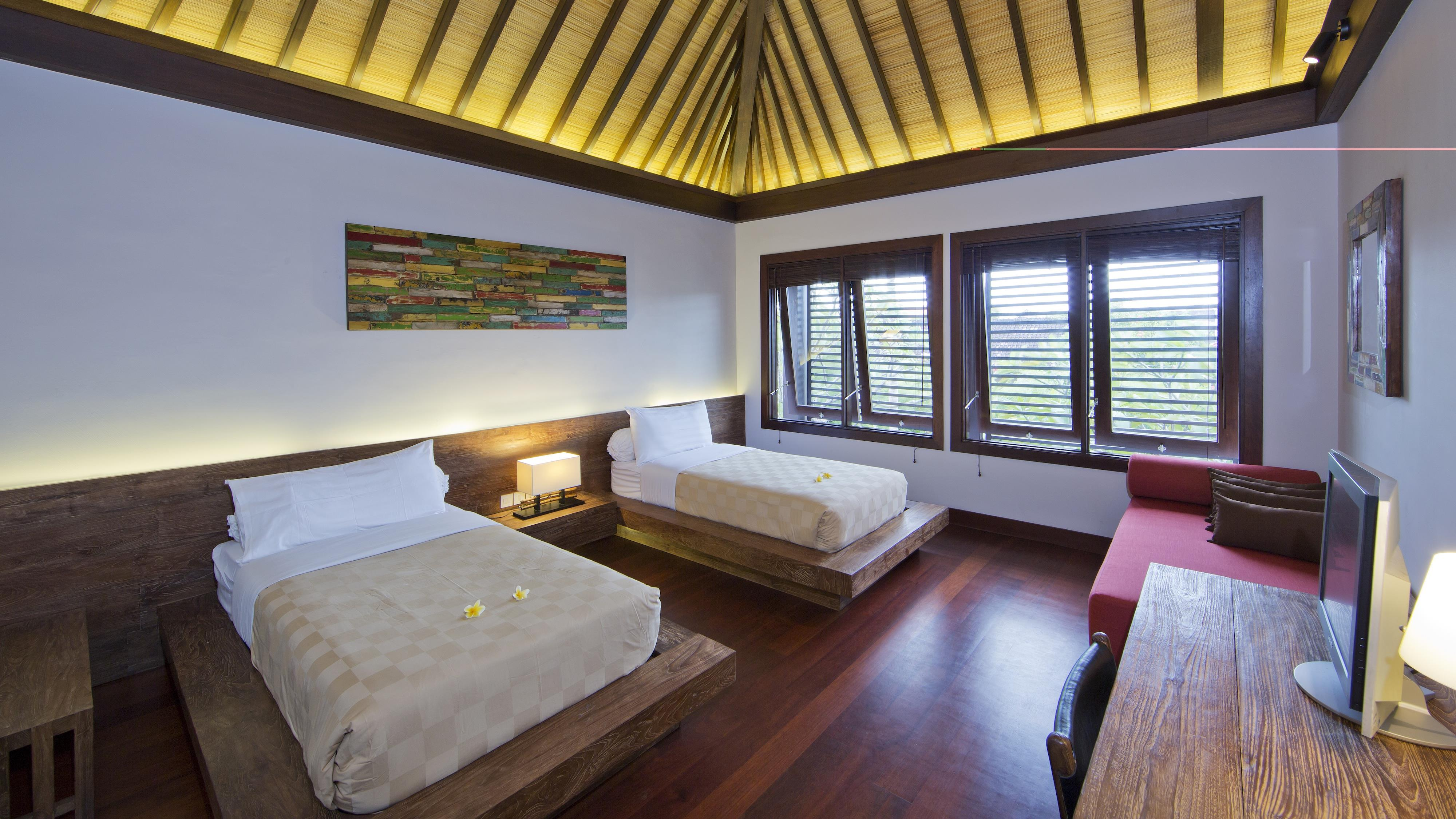 Twin Bedroom with Sofa - Villa Canthy - Seminyak, Bali