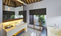 Bathroom with Mirror - Villa Canthy - Seminyak, Bali