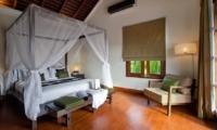 Bedroom with Wooden Floor - Villa Cantik Ungasan - Uluwatu, Bali