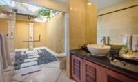 Semi Open Bathroom - Villa Cemara - Seminyak, Bali