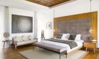 Bedroom with Wooden Floor - Villa Cendrawasih - Seminyak, Bali