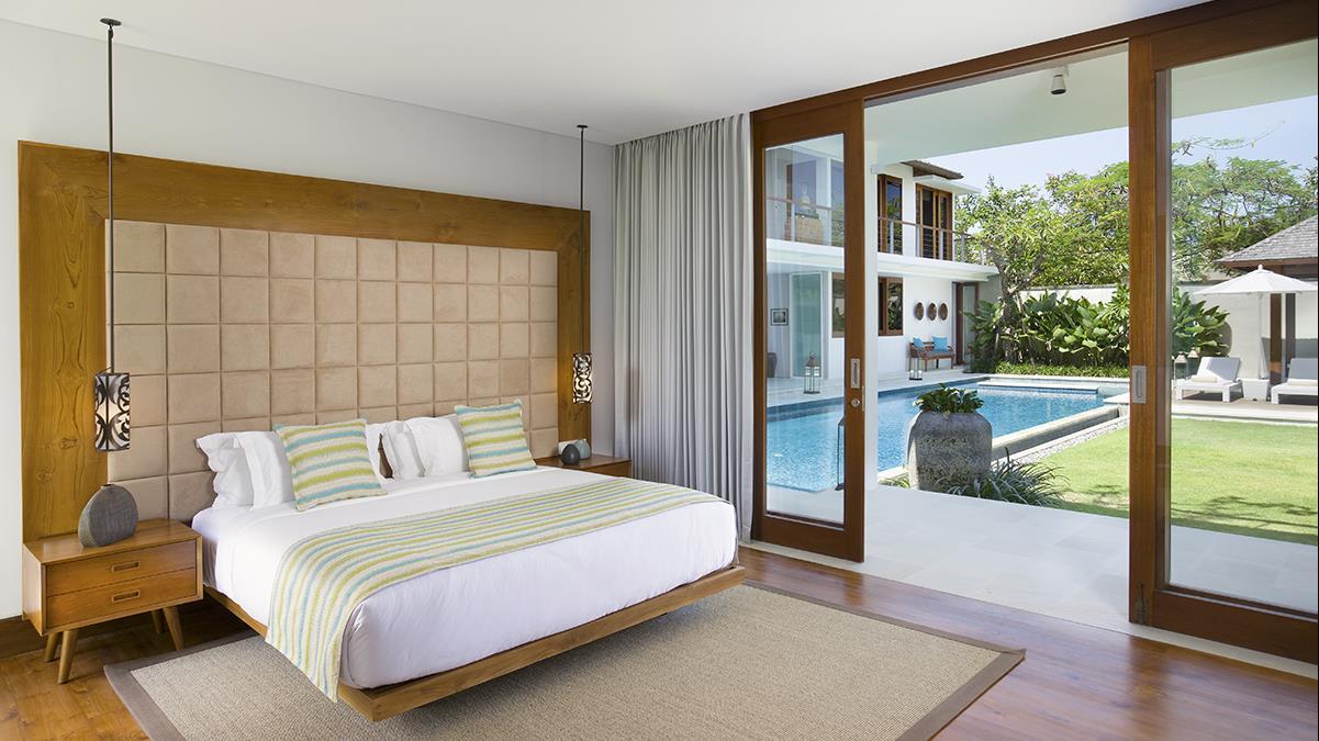Bedroom with Garden View - Villa Cendrawasih - Seminyak, Bali