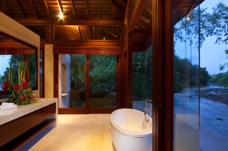 En-Suite Bathroom with View - Villa Champuhan - Seseh, Bali