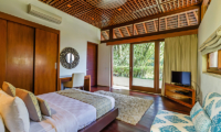 Bedroom and Balcony with Garden View - Villa Champuhan - Seseh, Bali