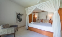 King Size Bed with Seating Area - Villa Chocolat - Seminyak, Bali