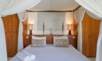 Four Poster Bed with Mosquito Net - Villa Chocolat - Seminyak, Bali