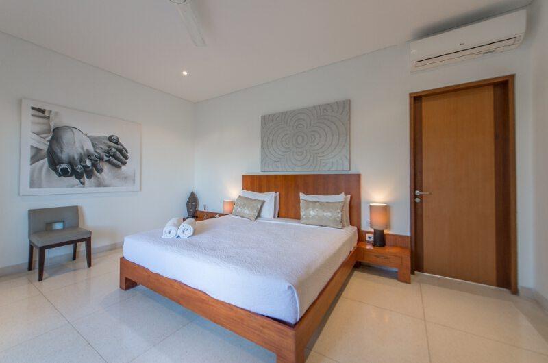 Bedroom with Painting - Villa Chocolat - Seminyak, Bali