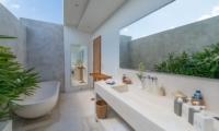 Semi Open Bathroom with Bathtub - Villa Chocolat - Seminyak, Bali