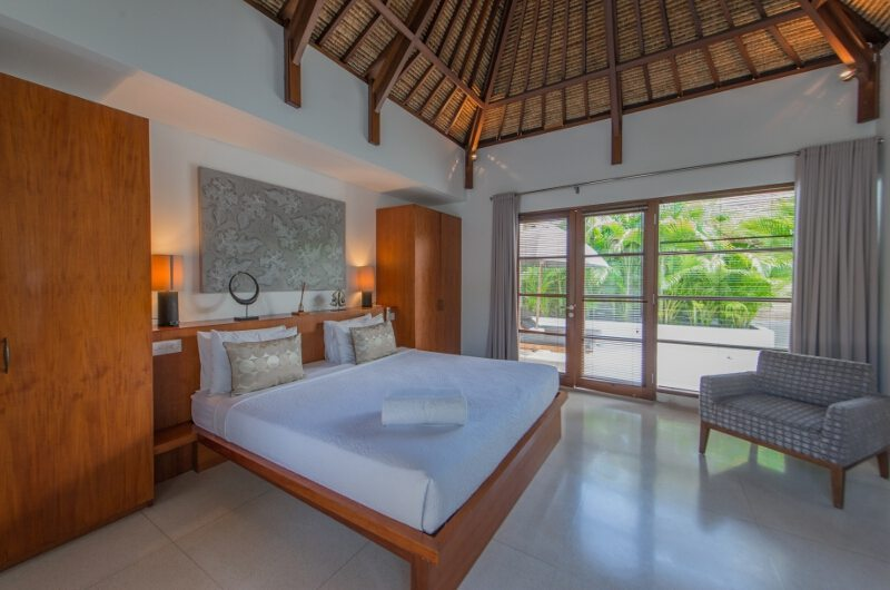Bedroom with a Chair - Villa Chocolat - Seminyak, Bali