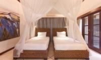 Twin Bedroom with View - Villa Cinta - Seminyak, Bali