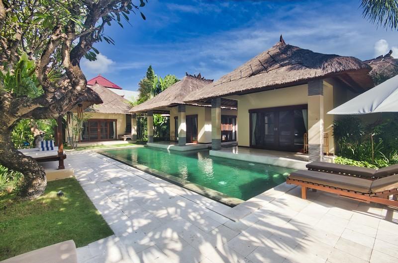 Reclining Sun Loungers - Villa Cinta - Seminyak, Bali