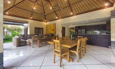Living, Kitchen and Dining Area with Garden View - Villa Cinta - Seminyak, Bali