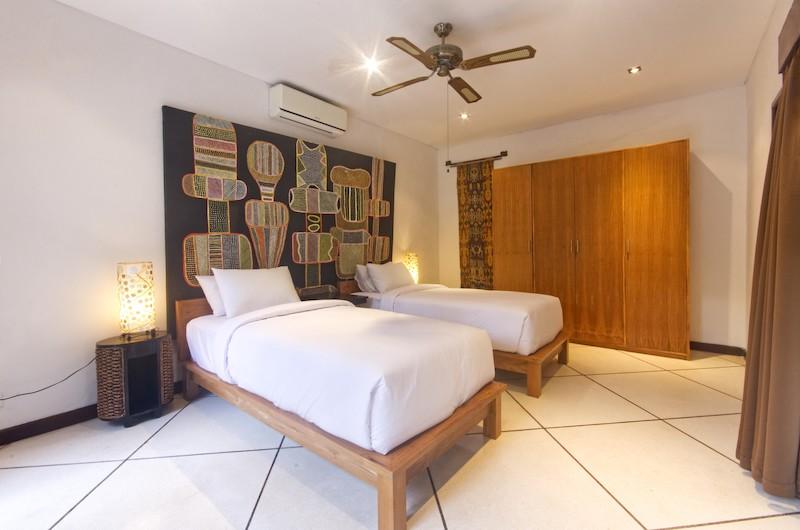 Bedroom with Twin Beds - Villa Cinta - Seminyak, Bali