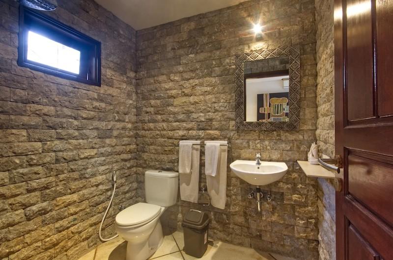 Bathroom with Mirror - Villa Cinta - Seminyak, Bali