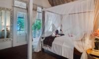 Bedroom and Balcony - Villa Coral Flora - Gili Trawangan, Lombok