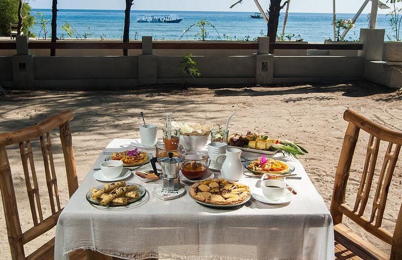 Outdoor Dining - Villa Coral Flora - Gili Trawangan, Lombok