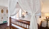 Four Poster Bed - Villa Coral Flora - Gili Trawangan, Lombok
