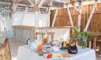 Open Plan Dining Area - Villa Coral Flora - Gili Trawangan, Lombok