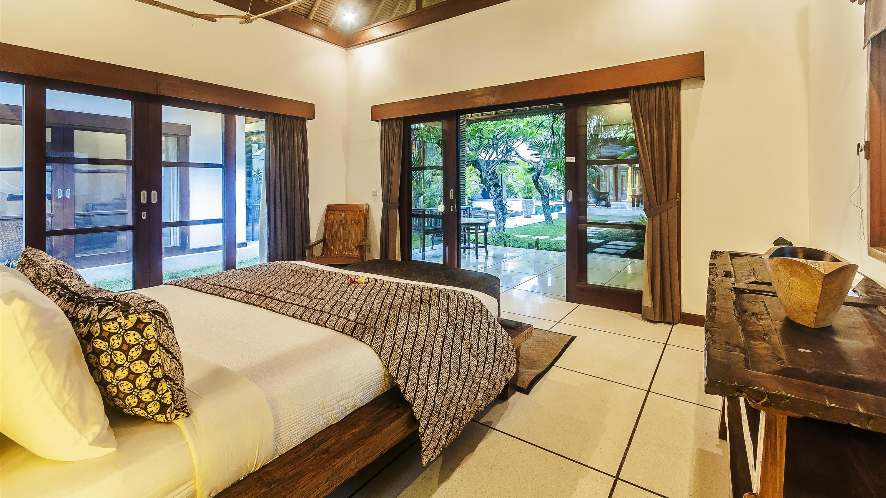Bedroom with Outdoor View - Villa Damai - Seminyak, Bali