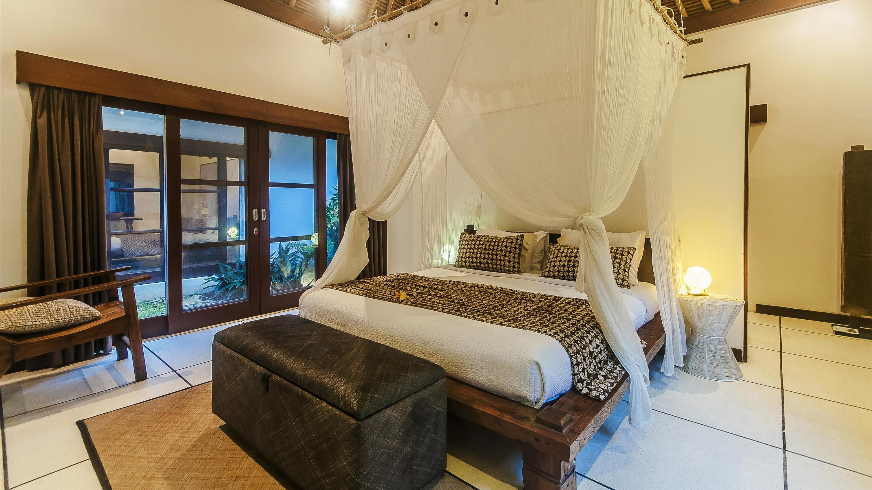 Bedroom with Mirror - Villa Damai - Seminyak, Bali