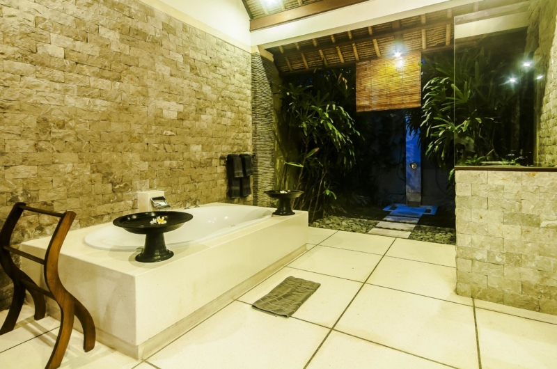 Bathroom with Bathtub at Night - Villa Damai - Seminyak, Bali