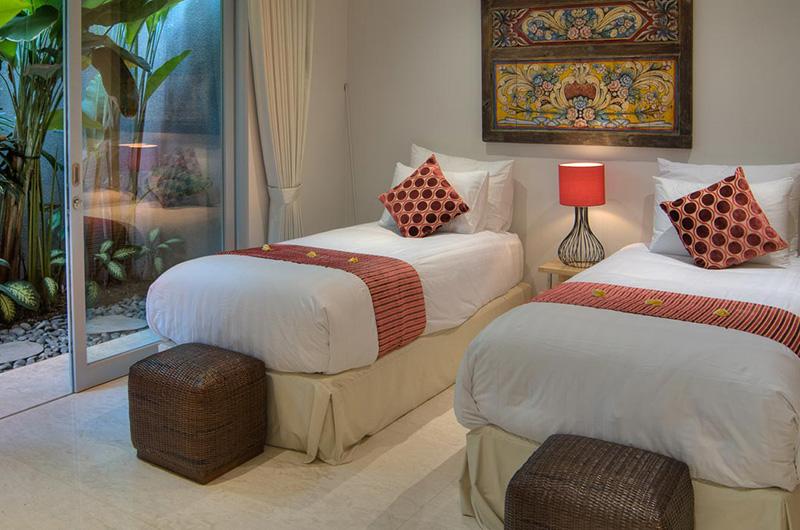 Twin Bedroom - Villa Damai Aramanis - Seminyak, Bali