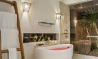 Romantic Bathtub Set Up - Villa Damai Aramanis - Seminyak, Bali