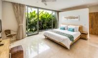Bedroom with TV - Villa Damai Aramanis - Seminyak, Bali