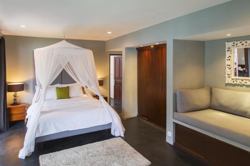 Bedroom with Mirror - Villa Damai Lestari - Seminyak, Bali