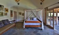 Bedroom with Sofa - Villa Damai Manis - Seminyak, Bali
