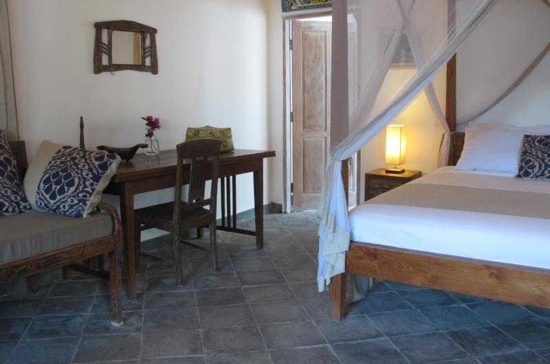 Bedroom with Study Table - Villa Damai Manis - Seminyak, Bali