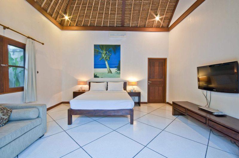 Bedroom with TV - Villa Darma - Seminyak, Bali