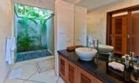 Bathroom with Mirror - Villa Darma - Seminyak, Bali