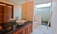 Semi Open Bathroom - Villa Darma - Seminyak, Bali