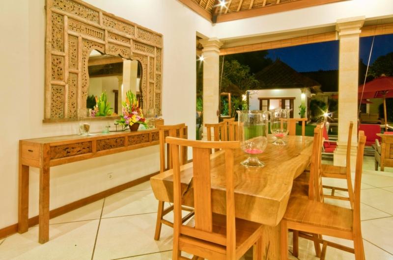 Dining Area with Garden View - Villa Darma - Seminyak, Bali