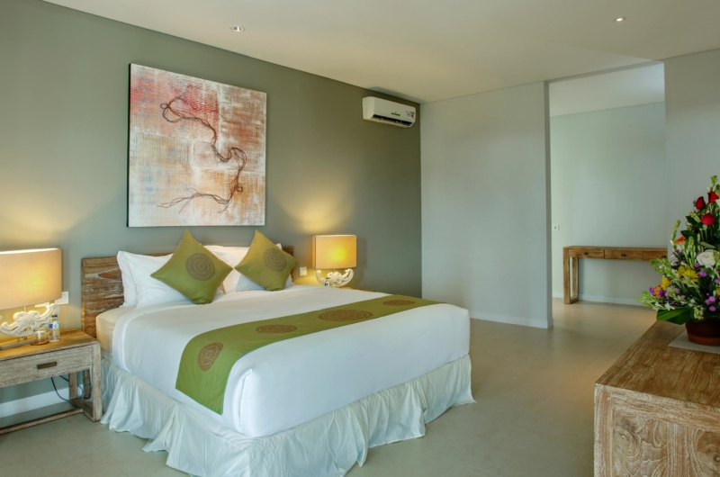 Bedroom with Side Table - Villa Delmar - Canggu, Bali