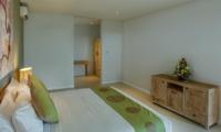 Spacious Bedroom - Villa Delmar - Canggu, Bali
