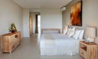 Bedroom with Wardrobe - Villa Delmar - Canggu, Bali