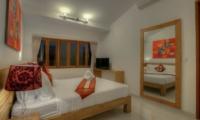 Bedroom with TV - Villa Denoya - Seminyak, Bali