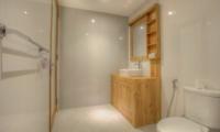 En-Suite Bathroom - Villa Denoya - Seminyak, Bali