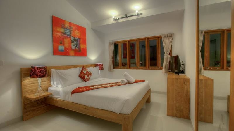 Bedroom with Table Lamps and TV - Villa Denoya - Seminyak, Bali