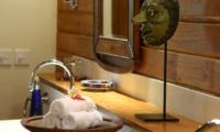 Bathroom with Mirror - Villa Des Indes 1 - Seminyak, Bali