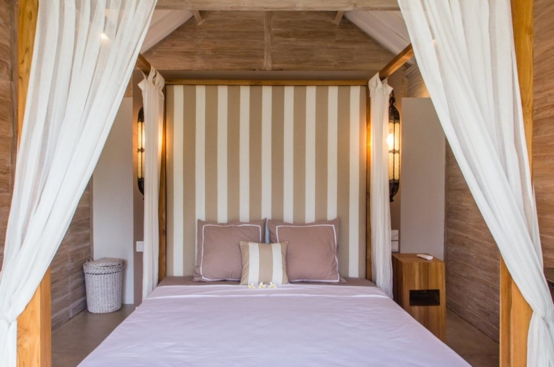Bedroom with Four Poster Bed - Villa Du Bah - Kerobokan, Bali