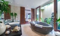 En-Suite Bathroom - Villa Eshara - Seminyak, Bali